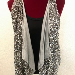 Dolan Sequin Vest⚜Perfect for Holidays 🎄🥂🍾